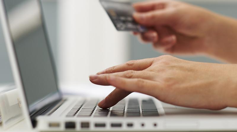 Zakaj se spletni nakup dovolilnice splača?