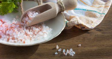Zmanjšaj vnos soli v prehrani